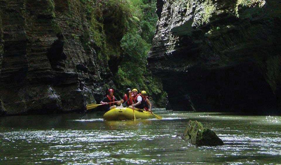 fiji rafting